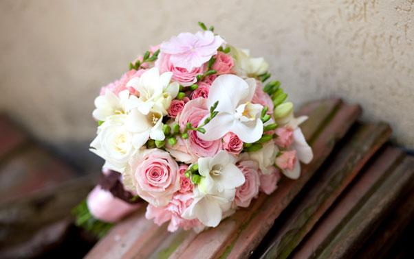 Buchet roz cu alb pentru mirese